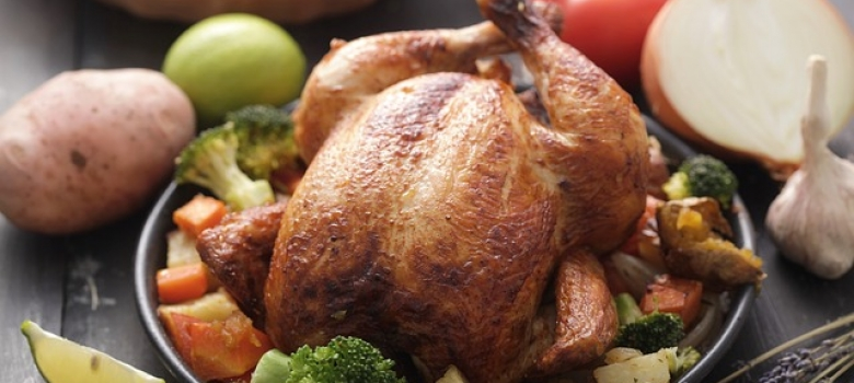 10 Ways to Avoid Weight Gain & Stay Healthy This Holiday Season