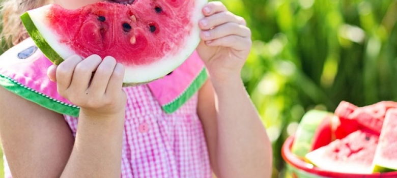 10 Quick Snacks Even the Pickiest Kids Will Love [Infographic]